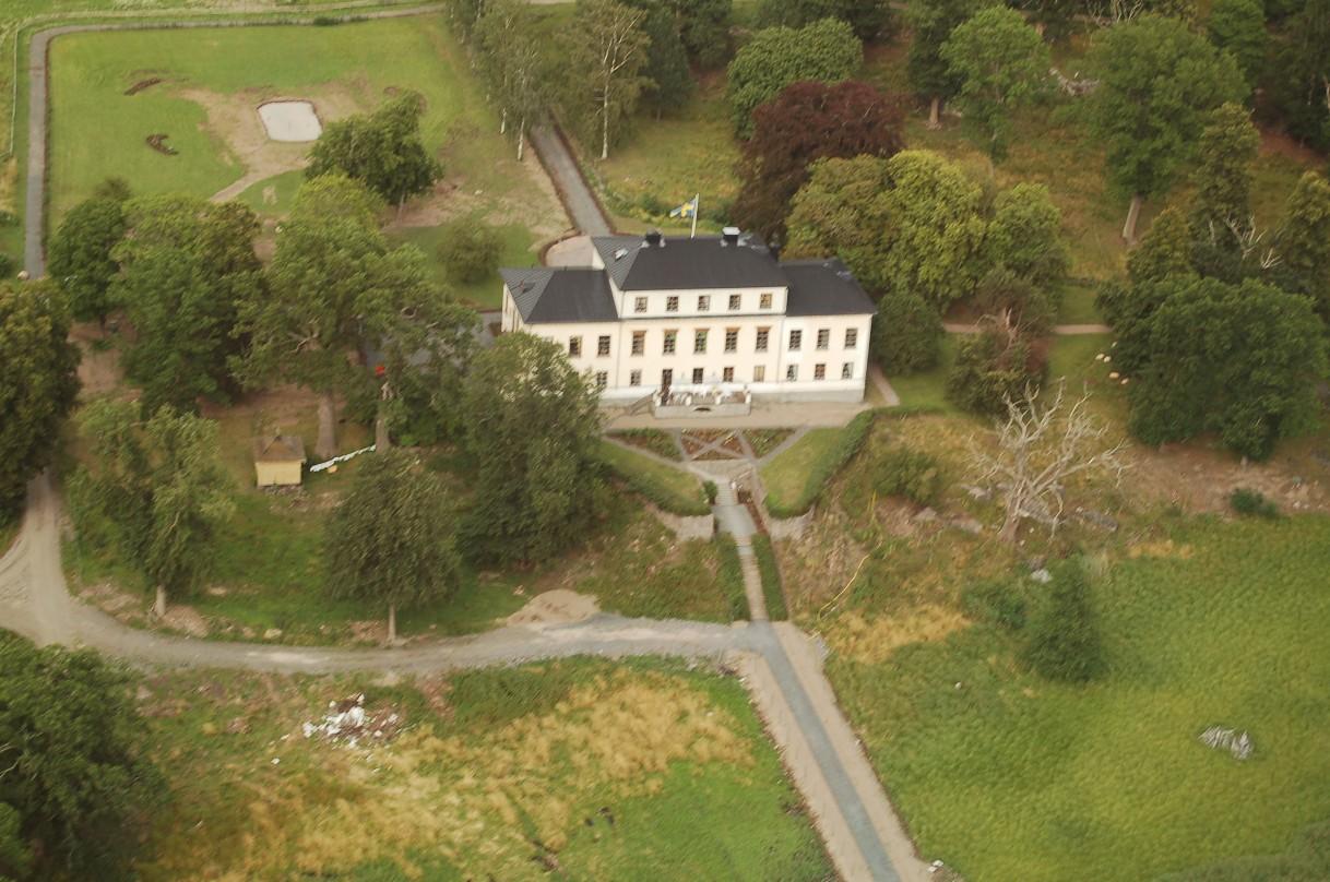 Slottet fotograferat från Oscars helikopter